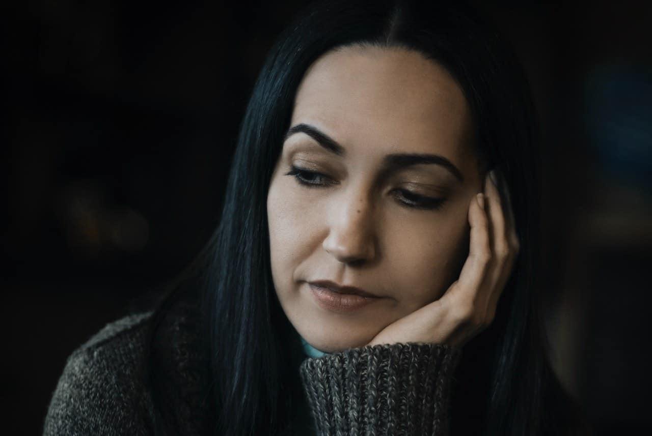 Η κατάθλιψη είναι μια ψυχική διαταραχή που επηρεάζει κάθε πλευρά των συναισθημάτων και της αντίληψης ενός ατόμου.