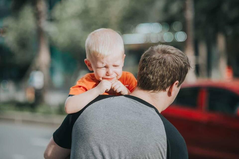Όταν υπάρχουν παιδιά στο σπίτι, πρέπει κανείς να είναι προετοιμασμένος για μια σειρά από ατυχήματα που μπορεί να συμβούν.