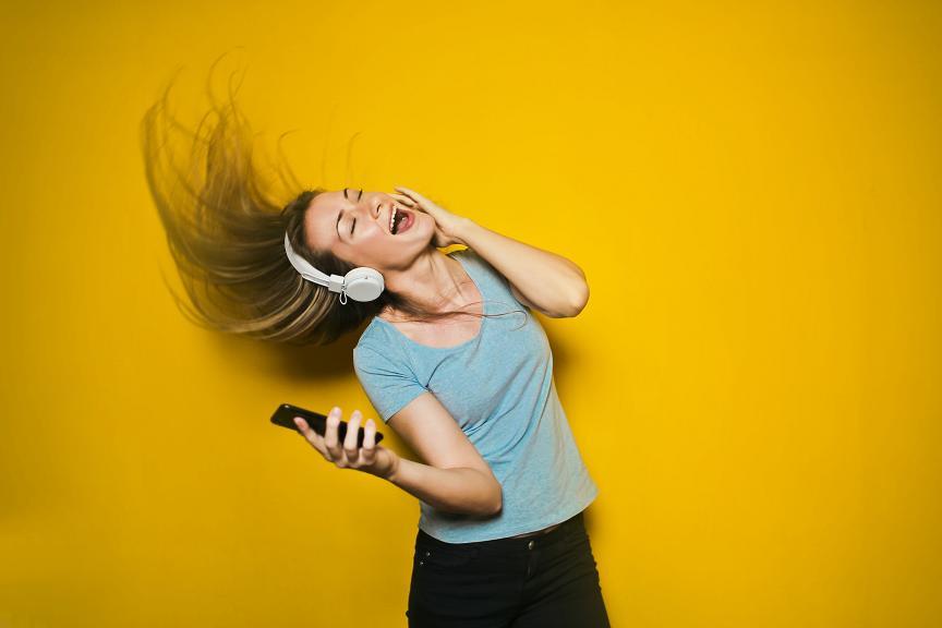 Επιλέξτε να ακούσετε μελωδίες που σας ενθουσιάζουν και σας ξεσηκώνουν.