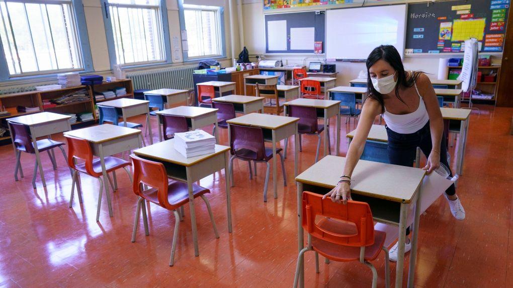 Τα Ανοικτά Παράθυρα στις Σχολικές Τάξεις Μειώνουν έως 40% τα Σταγονίδια με Κορωνοϊό στον Αέρα.