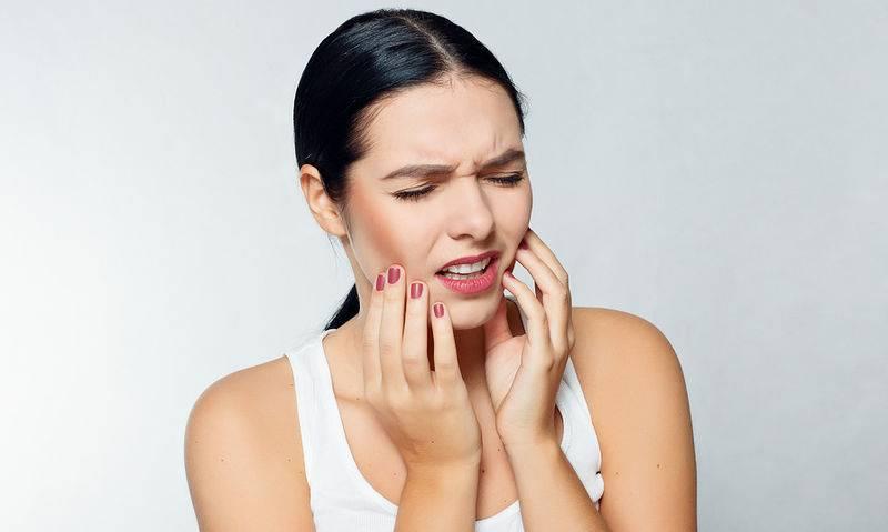 Απόστημα Δοντιών: Πώς να Χρησιμοποιείτε το Στοματικό Διάλυμα
