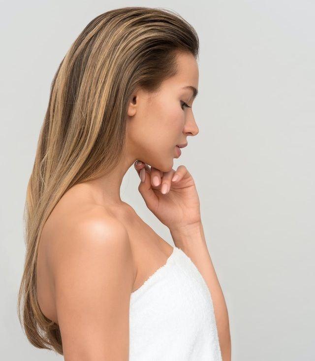 Αν έχετε μαλλιά που σπάζουν εύκολα ή εμφανίζουν ψαλίδα, τότε μία μάσκα με κρόκο αυγού είναι ό,τι πρέπει για εσάς.