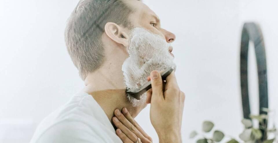 Το ξύρισμα για τους περισσότερους άνδρες είναι καθημερινή ρουτίνα που για κάποιους είναι ιεροτελεστία, ενώ για κάποιους άλλους μια βαρετή αλλά αναγκαία υπόθεση.