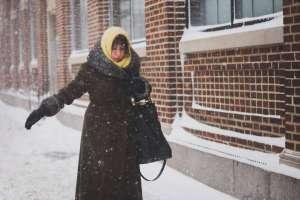Ένας χρήσιμος τρόπος για να αντιμετωπίσετε το πολύ κρύο κατά τους χειμερινούς μήνες είναι η κατανάλωση εκείνων των τροφών που βοηθούν το σώμα να ανεβάσει την εσωτερική του θερμοκρασία.
