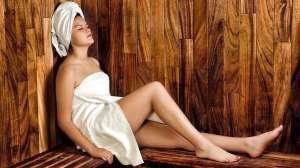 Η σάουνα ή θερμόλουτρο όπως ονομάζεται, είναι η έκθεση του σώματος σε κλειστό χώρο που μπορεί να φθάσει ακόμη και τους 100 βαθμούς Κελσίου.