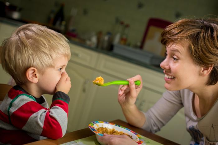 Ένα παιδί, ανεξάρτητα από την ηλικία του, χρειάζεται μια τακτικότητα στη ζωή του, τόσο για τον ύπνο του και για την ώρα που θα ξυπνήσει, όσο και για τα γεύματά του.