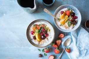 H υιοθέτηση ενός υγιεινού τρόπου διατροφής δεν έχει καμία σχέση με τα βραστά λαχανικά, τις ωμές σαλάτες και το στεγνό κοτόπουλο.