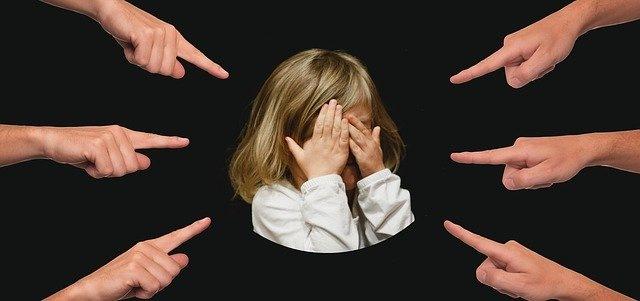 Ένα διαζύγιο είναι επώδυνο και περίπλοκο τόσο για τους συζύγους όσο και για τα παιδιά.