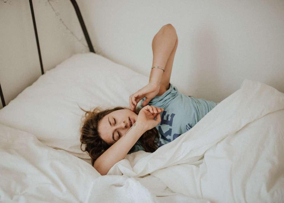 Ο κανόνας είναι ότι δεν θα πρέπει να πέφτετε ποτέ στο κρεβάτι πεινασμένοι και γενικώς νηστικοί.