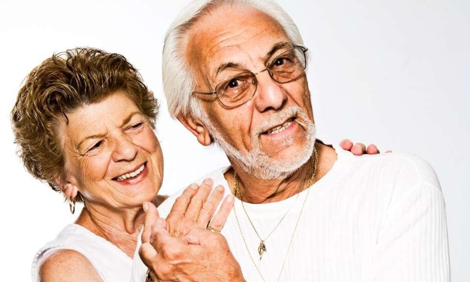 Oι ηλικιωμένοι είναι μια ξεχωριστή ομάδα ασθενών που χρειάζεται ιδιαίτερη προσέγγιση και αποτελεσματική οδοντιατρική φροντίδα.