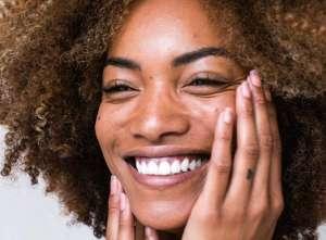 Αν οι πρώτες ρυτίδες έχουν κάνει ήδη την εμφάνισή τους στο πρόσωπό σας, υπάρχει ακόμη χρόνος και λύσεις για να παρατείνετε τη νεότητα της επιδερμίδας σας.