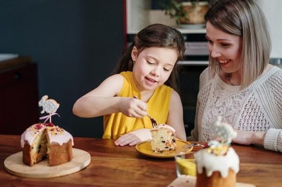 Η διατροφή του παιδιού πρέπει να είναι τέτοια ώστε να παρέχει τα θρεπτικά συστατικά για την ομαλή και ψυχοκοινωνική του ανάπτυξη.