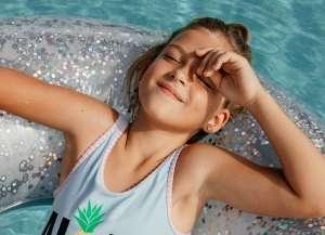 H βιταμίνη D παράγεται φυσικά από τον οργανισμό όταν εκτίθεται στο φως το ήλιου.