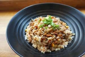 Κάθε είδος ρυζιού αποτελείται σχεδόν εξ ολοκλήρου από υδατάνθρακες, ενώ περιέχει και μικρές ποσότητες πρωτεΐνης.