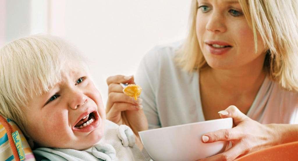Τι να Κάνετε Όταν το Παιδί σας Αρνείται να Φάει.