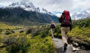 Η πεζοπορία είναι μία αποτελεσματική αερόβια άσκηση που θα «ανοίξει» πέρα από τα πνευμόνια και τους ορίζοντές σας.