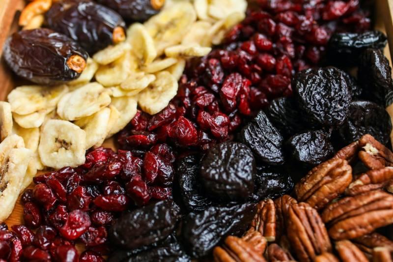 Τα αποξηραμένα φρούτα μπορούν να διατηρηθούν για πολύ μεγαλύτερο χρονικό διάστημα από τα φρέσκα φρούτα.