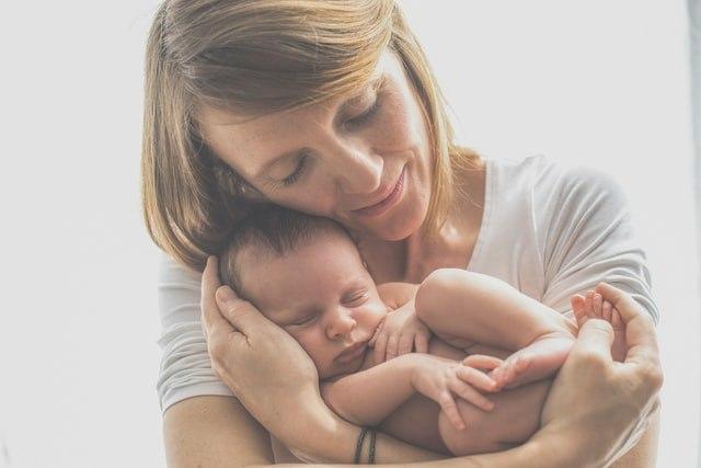 Ένα από τα πρώτα σημάδια που μαρτυρούν ότι το μωρό δεν αισθάνεται καλά είναι η αλλαγή στη συμπεριφορά του.