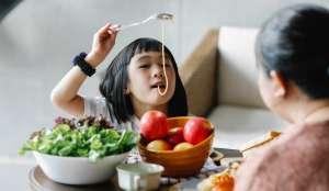Η διατροφή κατά την παιδική ηλικία κατέχει σημαντική θέση στην ανάπτυξη και στη εξέλιξη της υγείας του παιδιού.