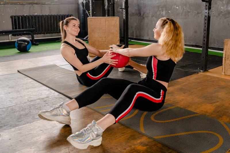 Ίσως θεωρείτε ότι πρέπει να περνάτε πολύ χρόνο στο γυμναστήριο ώστε να είστε σε φόρμα.