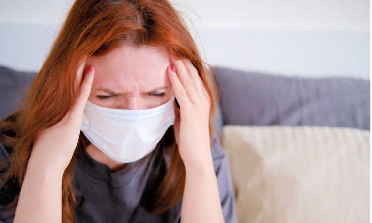 Κόπωση, Κατάθλιψη, Πόνος: Τα Μακροπρόθεσμα Συμπτώματα της Covid-19