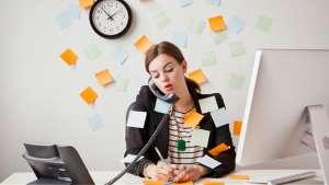 Άγχος στην Εργασία: Ποιοι Είναι οι Παράγοντες Κινδύνου και πώς να τους Αποφύγετε;