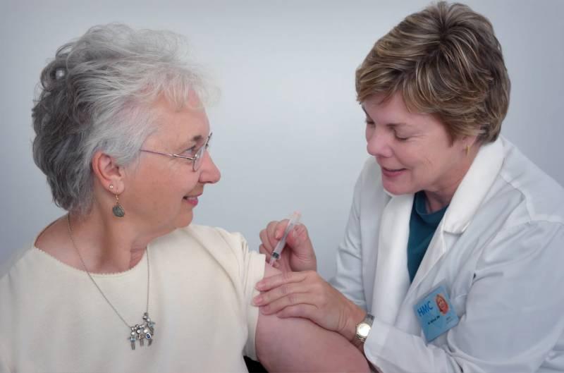 Επιτυχείς εμβολιασμοί για τις μεγαλύτερες ηλικίες