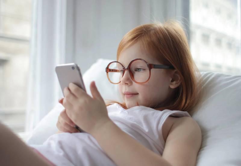 Παιδί και κινητό