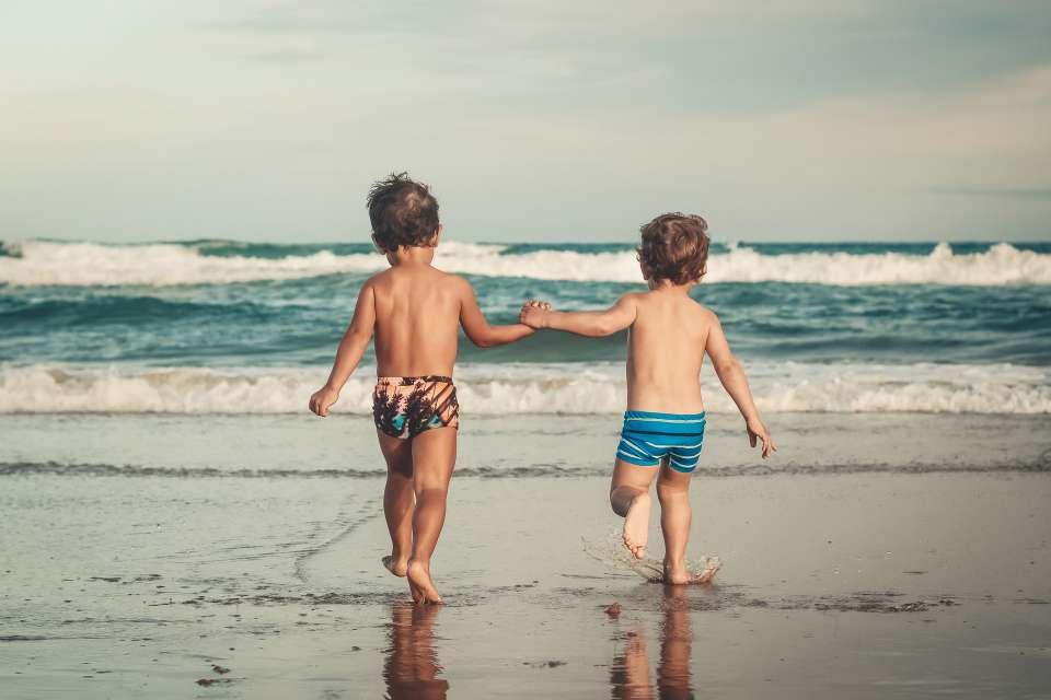 Παιδιά στον ήλιο
