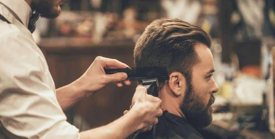 Τα Καλύτερα Κουρέματα για Άνδρες με Αραιά Μαλλιά
